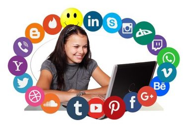 Social Media Specialist: The Ultimate Job Description